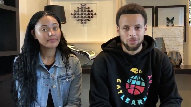 Steph and Ayesha Curry are urging people to donate to help feed kids who usually rely on school for meals